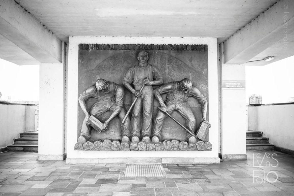 LevensFoto - Een volk dat leeft werkt , dr. Lely, monument op de afsluitdijk